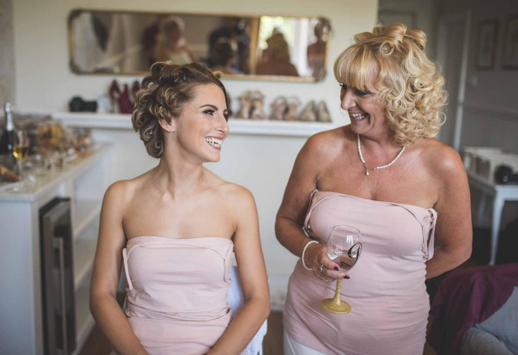 Mother and Daughter getting ready Ashfield House Wedding Ollie Gyte Photography