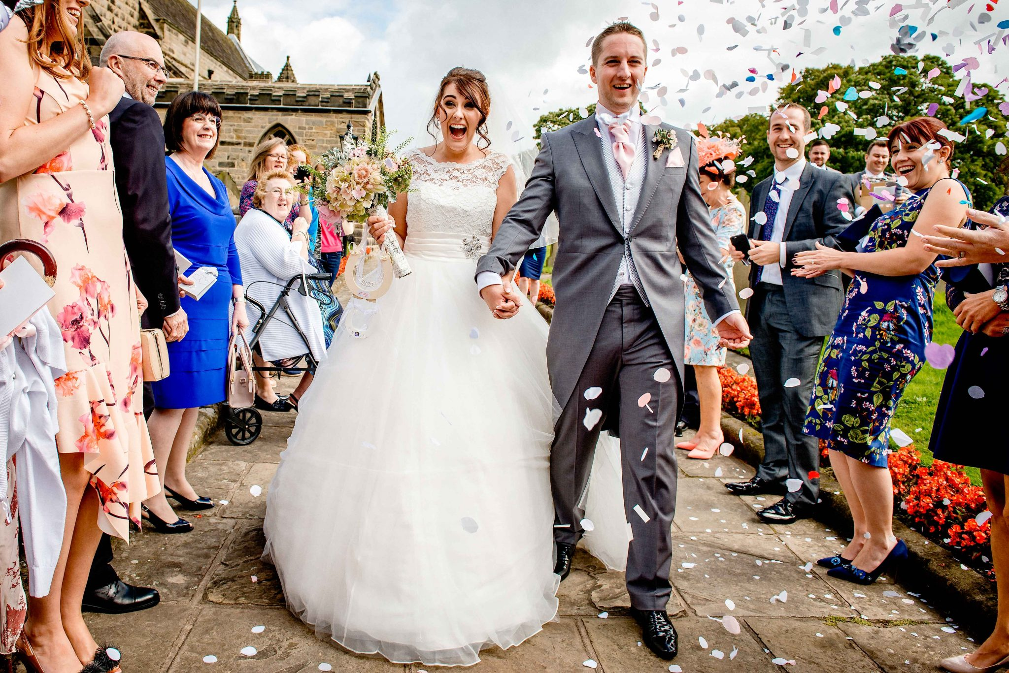 Bride & Groom Confetti - Southport, Liverpool, Lancashire & North West Wedding Photographer - Ollie Gyte Photography